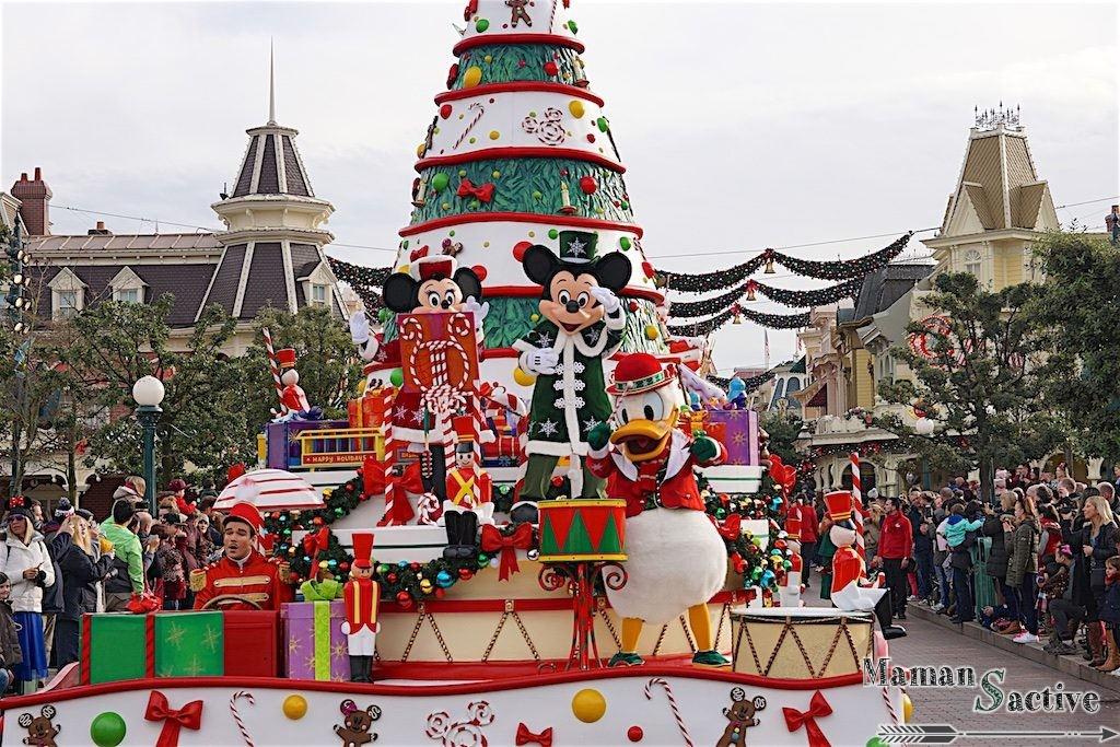 disneyland-paris-noel-parade-1
