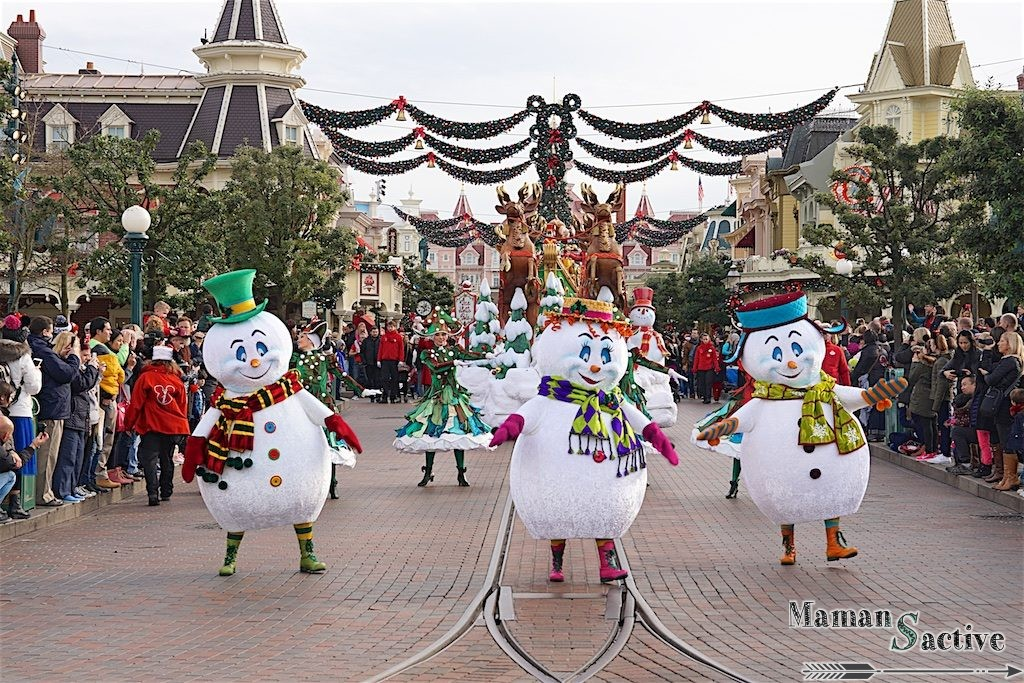 disneyland-paris-noel-parade-10
