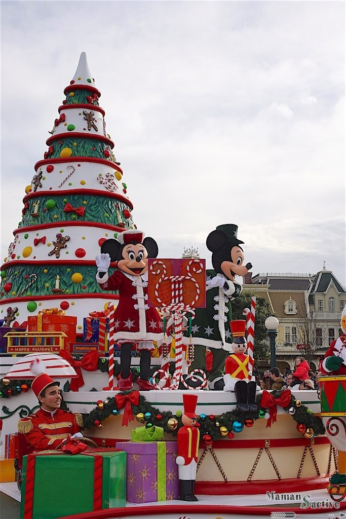 disneyland-paris-noel-parade-2