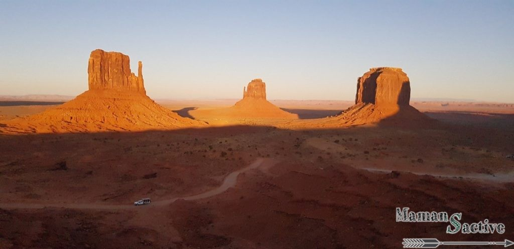 Couché de soleil à Monument Valley